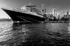 Take a Bow - Cunard's Queen Mary 2