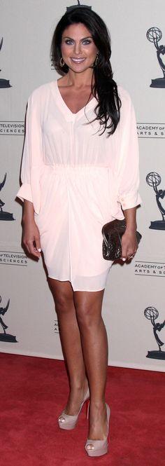 Miranda Kerr Applies Her Glowing Wedding Day Makeup ...