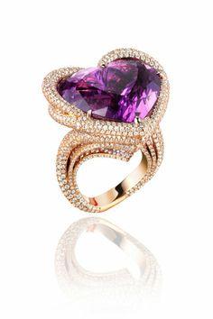 Valentines Day Jewellery - Rings Necklaces Bracelets (Vogue.com UK)