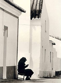 photography, Eduardo Gageiro Évora, Portugal, Undated its a glimpse of a world lost Photography Exhibition, Street Photography, Art Photography, Portugal, Great Photos, Old Photos, Landscape Elements, Photo B, Famous Photographers