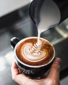 Gabriel Coffee (@gabrielcoffee) • Instagram photos and videos Coffee Club, Coffee Date, Coffee Break, Morning Coffee, Aeropress Coffee, Fresh Roasted Coffee, Coffee Instagram, Blended Coffee, Great Coffee