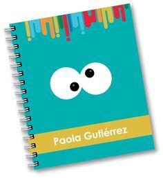 Libreta personalizada $70. Diy Notebook Cover, Tapas, Diy Home Decor, Planner Covers, Scrapbook, Colours, Notebooks, Crafts, Custom Notebooks