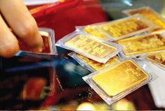 Giá vàng thế giới sáng nay tiếp tục giảm sau khi mất 2 USD, trong khi đó giá vàng SJC hôm nay  giảm 50.000 đồng mỗi lượng so với giá vàng chốt giao dịch hôm qua.