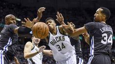 Golden State Warriors vs. Milwaukee Bucks - 3/18/17 NBA Pick, Odds, and Prediction