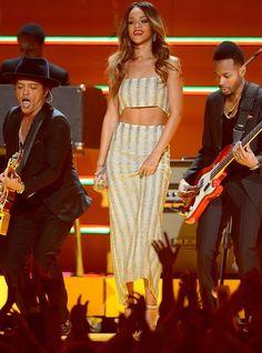Rihanna in Luciano Soprani - Grammy Awards 2013