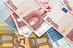 Forex Signal - Euro gains on Greece parliament bills The U.S. dollar index, which measures the greenback's strength vs a trade weighted basket of major currencies, was down 0.28% at 97.49. On Thursday in Asia, EUR/USD traded at 1.0938, up 0.09% before the vote seen.