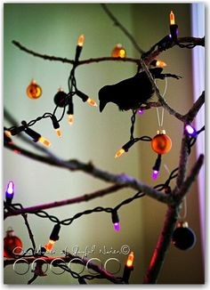 Halloween tree. Halloween, Halloween-decor, halloween- crafts  www.houseofjoyfulnoise.com