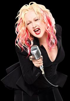 """Cher to be Joined by Special Guest Cyndi Lauper in """"Dressed to Kill Tour"""""""