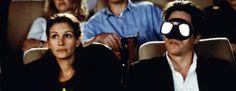 """Coup de foudre à Notting Hill - 1991 - Anna Scott (Julia Roberts) La célébrité n'est pas la vraie vie... Tu sais, je suis aussi une fille... qui se trouve devant un garçon... et qui lui demande de l'aimer""""."""