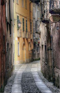 GREAT ITALIAN ALLEY. Orta San Giulio, Piedmont, Italy | by Alex Switzerland