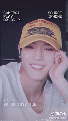 Jaehyun, Nct Group, Nct Johnny, Bts Funny Videos, Nct Life, Jisung Nct, Lee Taeyong, Kpop Guys, Aesthetic Videos