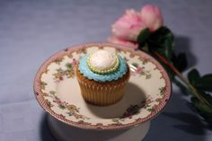 Earl Grey Cameo cupcakes Cupcake Cakes, Cupcakes, Rome, Grey, Desserts, Ash, Gray, Cupcake, Deserts