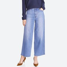 WOMEN HIGH RISE WIDE FIT JEANS