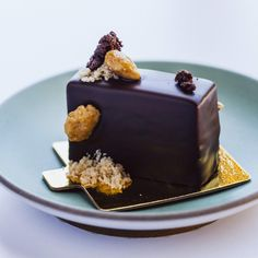 Say hello to the grown-up version of a snickers bar served at Superba Food + Bread in Venice Snickers Bar, School Snacks, Let Them Eat Cake, Junk Food, Fine Dining, Bread Recipes, Your Favorite, Growing Up, Cravings