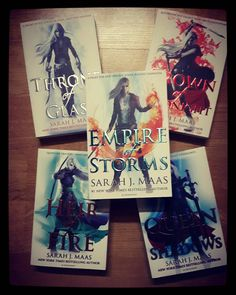 Ho aggiunto alla collezione #Empire od #Storms  Piano piano li leggerò tutti  Non ho resistito!  #ThroneOfGlass #CrownOfMidnight #HeirOfFire #QueenOfShadows #EmpireOfStorms #SarahJMaas #Amazon #leggereègioia #leggereovunque  #profumodilibri #voglioleggereditutto #semprelibri #leggeresempre #reading #leggere #leggo #libro #libri #library #libreria #book #books #loveread #amorelibri #beauty #art  #viaggiatricepigra