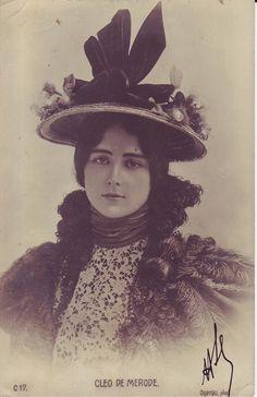 VINTAGE PHOTOGRAPHY: Cléo de Mérode 1902
