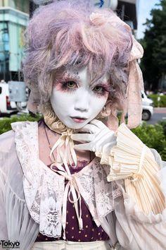 Shironuri Minori in Harajuku w/ Purple Palette Makeup & Fashion Japanese Streets, Japanese Street Fashion, Tokyo Fashion, Harajuku Fashion, Harajuku Style, Women's Fashion, Visual Kei, Kawaii, Purple Palette