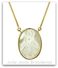 Pendente N.SdasGraças em ouro 750/18k e madrepérola (Our Lady of Grace 750/18k gold pendant  with mother-of-pearl)