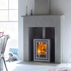 Contura FS transforms an old fireplace into an efficient and environmentally sound heat source Wood Burner Fireplace, Concrete Fireplace, Stove Fireplace, Fireplace Inserts, Fireplace Kitchen, Kitchen Dining, Contemporary Wood Burning Stoves, Modern Stoves, Wood Burning Heaters