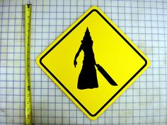 Silent Hill - Pyramid Head Crossing Sign