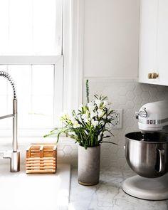 Küchenzelle Ikea, Ideen Für Dekorieren Vase Mit Grünen Und Weißen Blumen,  Kochmaschine