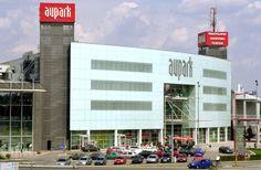 Bratislavské nákupné centrum Aupark čaká prestavba. Bude stáť 40 miliónov eur! Čakajú nás napríklad zelené oázy, výhľad priamo do Sadu Janka Kráľa, nové eskalátory, atď. Viac na http://tvnoviny.sk/sekcia/ekonato/archiv/bratislavsky-aupark-prestavaju-bude-to-stat-majland.html (Foto: TASR)