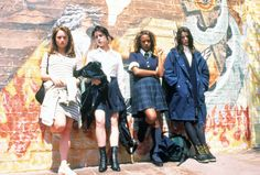 Robin Tunney, Fairuza Balk, Rachel True and Neve Campbell in The Craft, 1996 The Craft 1996, The Craft Movie, Robin Tunney, Grunge Fashion, 90s Fashion, 90s Grunge, Fashion Shoot, Fashion Trends, Girl Fashion