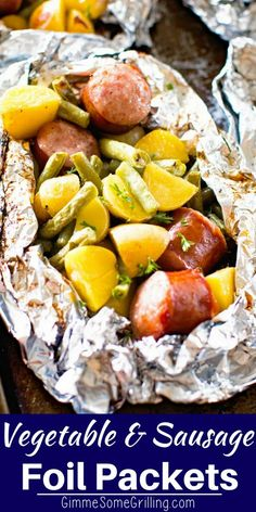 Delicious and Easy Foil Packet Meal! These Vegetable & Sausage Foil Packets are a whole meal in one packet. They have Smoked Sausage, Green Beans and Potatoes. You can either make them on the grill or the oven. We love them for an easy dinner recipe! Foil Packet Dinners, Foil Pack Meals, Foil Dinners, Potato Recipes, Vegetable Recipes, Beef Recipes, Cooking Recipes, Grilling Recipes, Easy Sausage Recipes