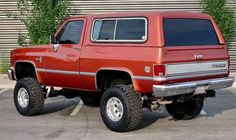 I truly love this color choice for this chevy trucks Chevy 4x4, Lifted Chevy Trucks, Gm Trucks, Chevrolet Trucks, Cool Trucks, 1950s Chevy Truck, Classic Chevy Trucks, Classic Cars, Chevy Blazer K5