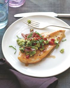 Healthy Recipe: Chicken Cutlets Topped with Turkey Bacon and Avocado.  Originally found in the Flat Belly Cookbook!  Delicious!