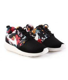 outlet store 8f380 191e9 Nike Roshe Run Shoes Print