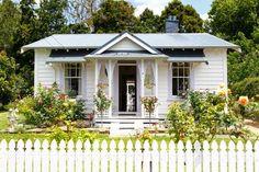 New Zealand railway cottage, sweet! Just Lilla : NZ New Zealand railway cottage, sweet! Just Lilla : NZ
