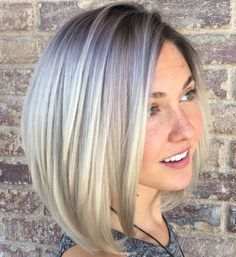 Side-Parted Ash Blonde Bob for round faces Top 60 Flattering Hairstyles for Round Faces Haircuts For Round Face Shape, Bobs For Round Faces, Short Hair Styles For Round Faces, Hairstyles For Round Faces, Curled Hairstyles, Short Hair Cuts, Medium Hair Styles, Long Hair Styles, Short Hairstyles