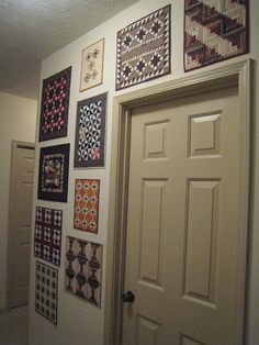 Great idea for hanging small quilts