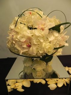 Oliveairé - Artisan Events and Meetings Small Centerpieces, Pure White, Artisan, Crown, Pure Products, Jewelry, Corona, Jewlery, Jewels