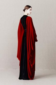 Alexander McQueen Pre-Fall 2013 (this is what i think Bene Gesserit dress like.)
