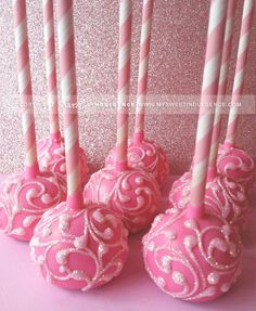 Glitter cake pops get me every time! Pretty Cakes, Cute Cakes, Beautiful Cakes, Yummy Cakes, Amazing Cakes, Pink Cake Pops, Glitter Cake, Pink Glitter, Cookie Pops