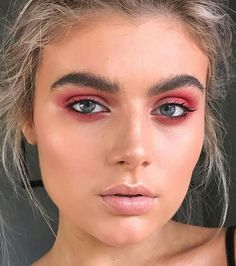 Le makeup des années 90 fait son grand retour !