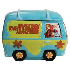 What a groovy place to store your cookies! This tall ceramic Scooby-Doo Gang and Mystery Machine Cookie Jar will mean that it's a mystery every time you reach for a cookie! Looks just like the Mystery Machine from Hanna-Barbera's Scooby-Doo cartoon show. Antique Cookie Jars, Ceramic Cookie Jar, Ceramic Art, Scooby Snacks, Kitsch, Colored Cookies, Westland Giftware, Teapot Cookies, Scooby Doo Mystery