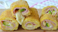 ham, cheese an zucchini rolls (sk) Czech Recipes, Italian Recipes, Ethnic Recipes, My Favorite Food, Favorite Recipes, Zucchini Rolls, Good Food, Yummy Food, Bread And Pastries