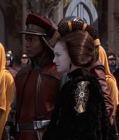 Queen Padme Amidala in formal gown on Naboo with Captain Panaka Reina Amidala, Queen Amidala, Amidala Star Wars, Star Wars Padme, Star Wars Quotes, Star Wars Humor, Star Wars Characters, Star Wars Episodes, Darth Vader Suit