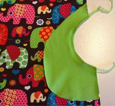 Putting pocket into dress. In Swedish but great photos Baby Barn, Textiles, Monster, Great Photos, Diy And Crafts, Apron, Pocket, Sewing, Kids