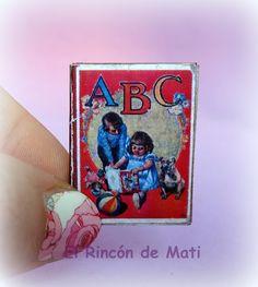 Amparo libro abecedario español, escala 1/12 miniatura para casas de muñecas. de ElRincondeMati en Etsy