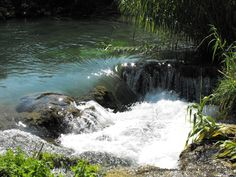 650m of river creates 12 water falls, with a total height of 27m.
