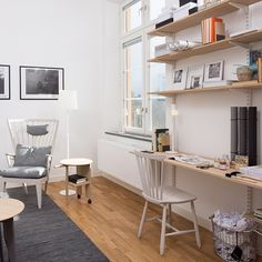 TV-rum med arbetsplats/hemmakontor i #vasallen visningslägenhet i #rindöhamn Vi…