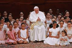 Pope Francis meets with children during an encounter with representatives of the civil society in the Municipal Theater in Rio de Janeiro Papa Francisco, World Youth Day, Pope Francis, Candid, Boy Or Girl, Catholic, Prayers, Flower Girl Dresses, Challenges