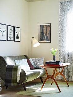 Retro inspired decor, kickin table.