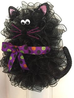 21 x 17 Halloween Deco Mesh Cat Wreath with Bow