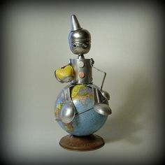 Repurposed items make this robot earth-friendly. So cute and clever!