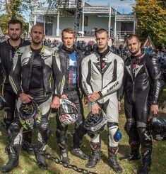 Bikers and more. Best Motorbike, Motorcycle Suit, Motorcycle Leather, Biker Leather, Leather Men, Sexy Biker Men, Motorbike Leathers, Riders On The Storm, Biker Gear
